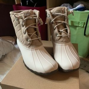 Brand new sperry duck boots